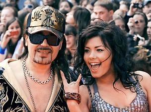 богдан титомир фото с женой