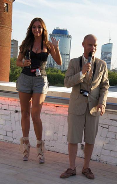 Жена Дмитрия Хрусталева, фото. Личная жизнь / Жены юмористов / Его-Жена. Жены знаменитостей