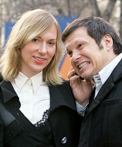 На фото - Владимир Соловьев с женой Эльгой