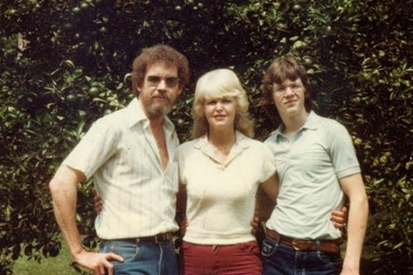 Жена и сын Боба Росса