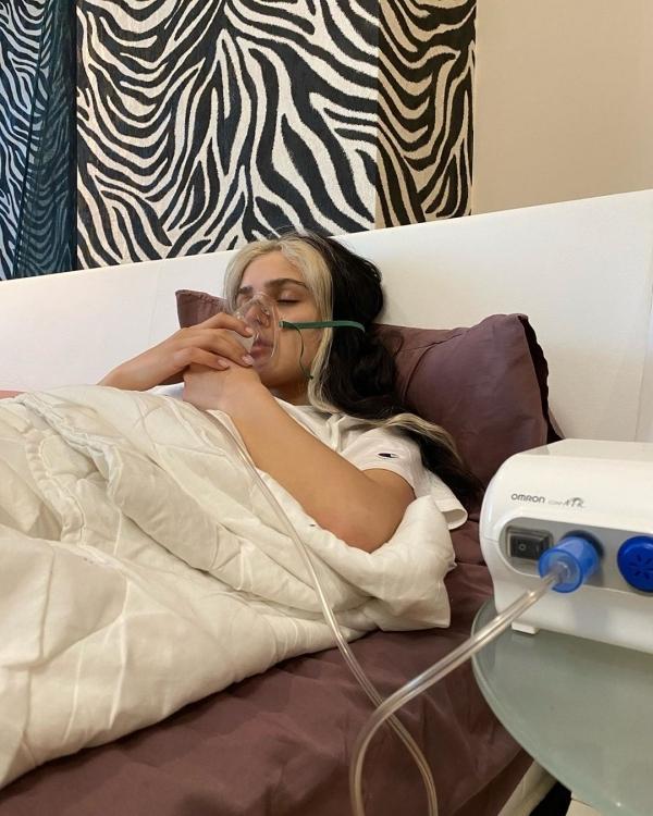 Дина Саева соблюдала постельный режим