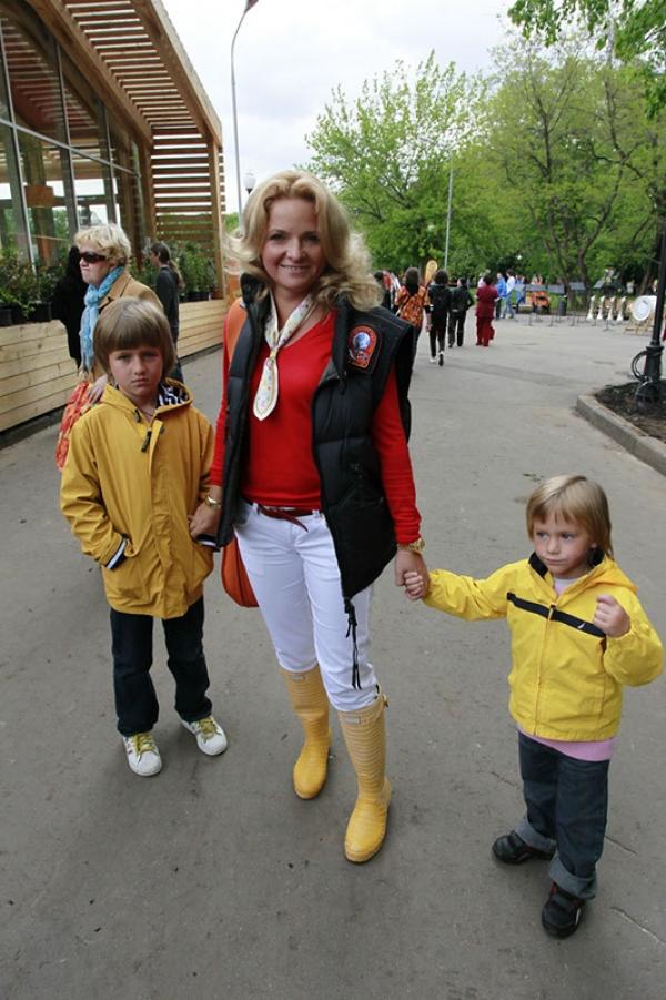 Екатерина с сыновьями