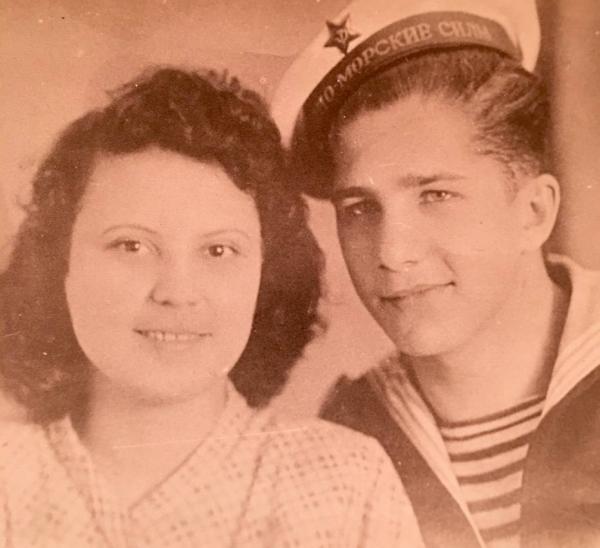 Родители Александра Мясникова