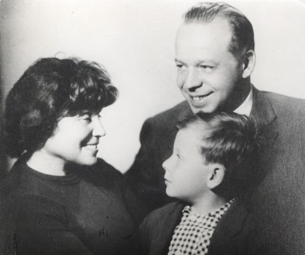 Егор с родителями