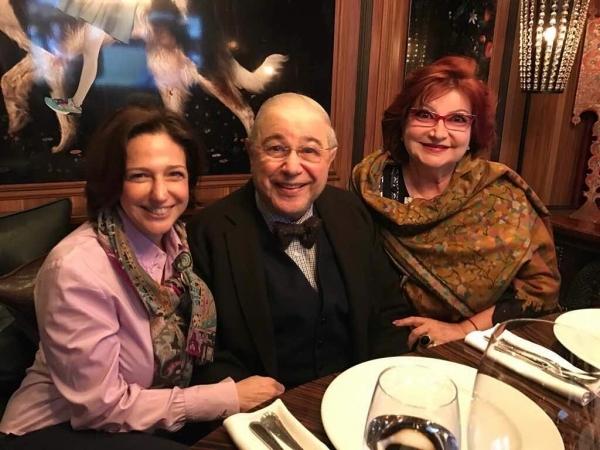 Петросян с супругой и дочерью Викториной