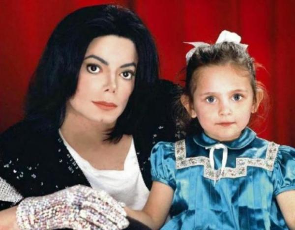 Джексон с дочкой Пэрис