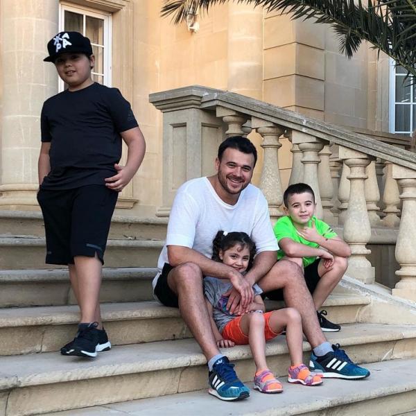 На фото: Агаларов с детьми