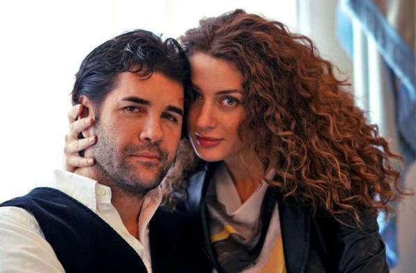 На фото: Александр Ломинский с супругой