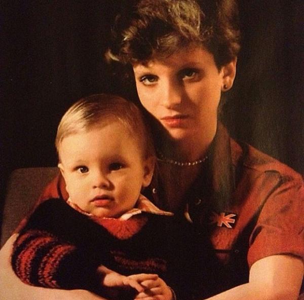 На фото: Первая жена Александра Малинина - Инна Курочкина с сыном Никитой