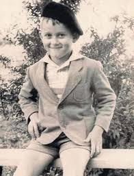 На фото: Александр Маршал в детстве