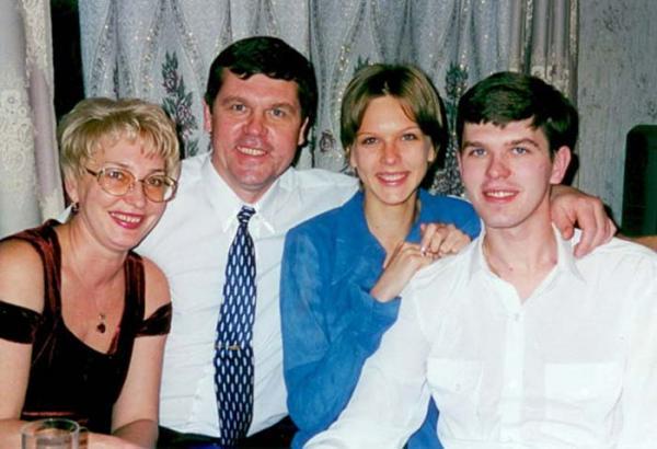Семья Александра Новикова: жена Мария, дочь Наталья и сын Игорь