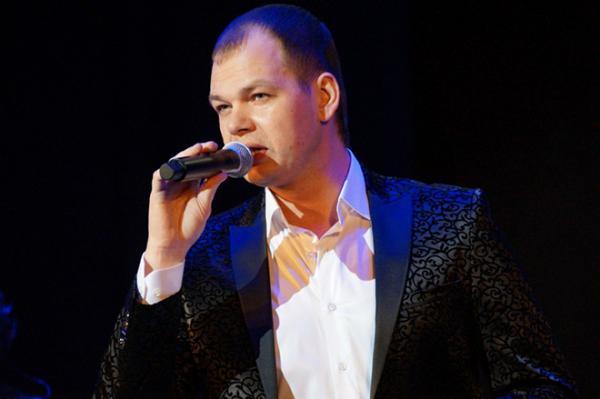 Алексей Брянцев на сцене