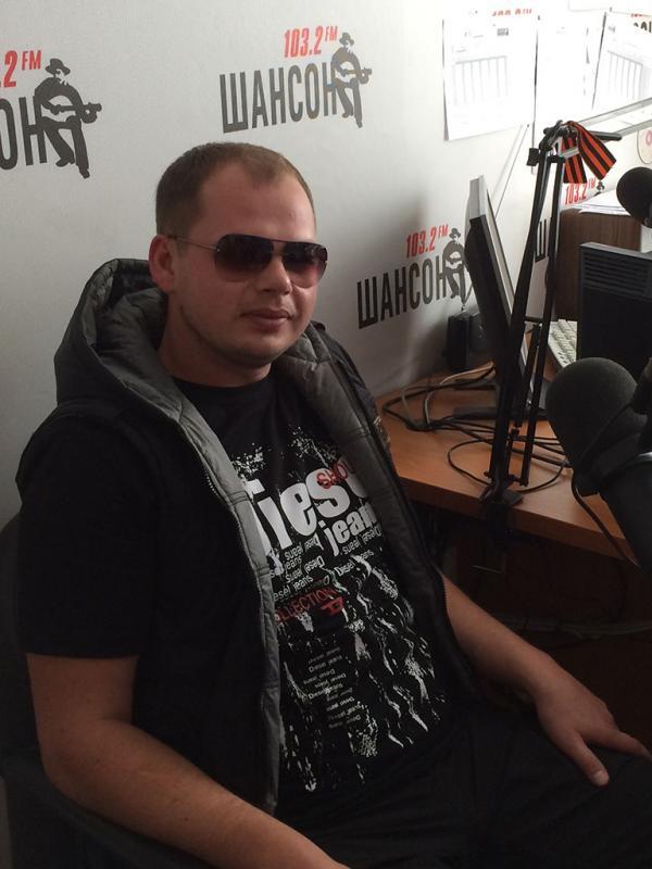 Алексей Брянцев в студии звукозаписи