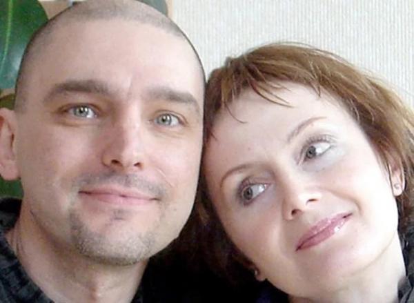 На фото: Андрей Державин с женой