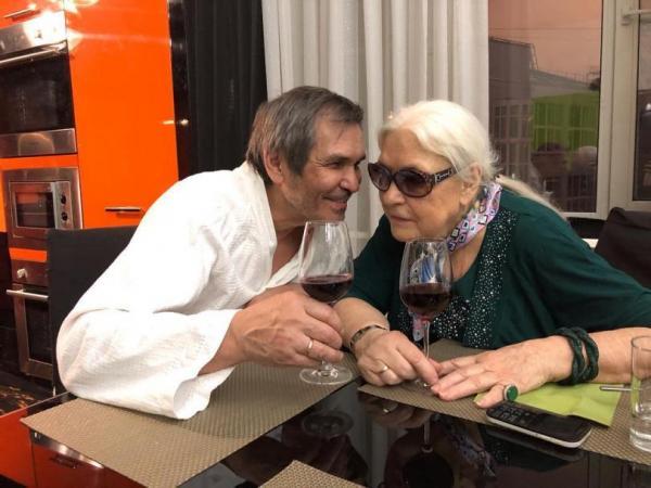 На фото: Бари Алибасов и Лидия Федосеева-Шукшина