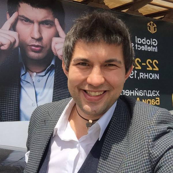 На фото: Сын Бари Алибасова