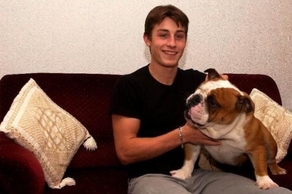 На фото: любимая собака Брайана Жубера