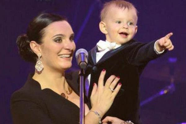 Елена Ваенга с сыном Иваном