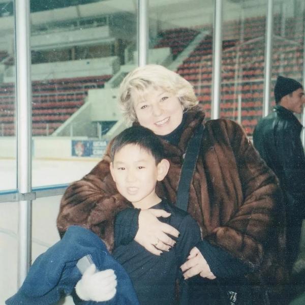 На фото: Денис Тен в детстве и Татьяна Тарасова