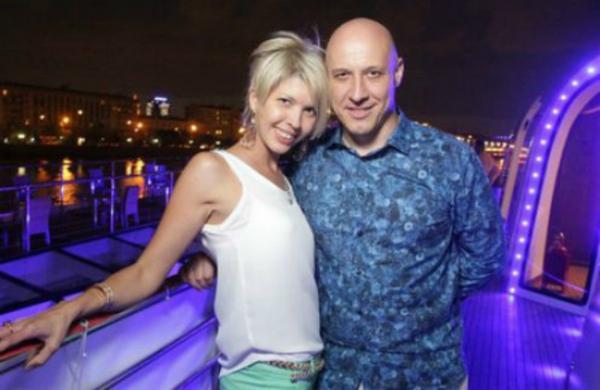 На фото: Денис Майданов с женой Натальей
