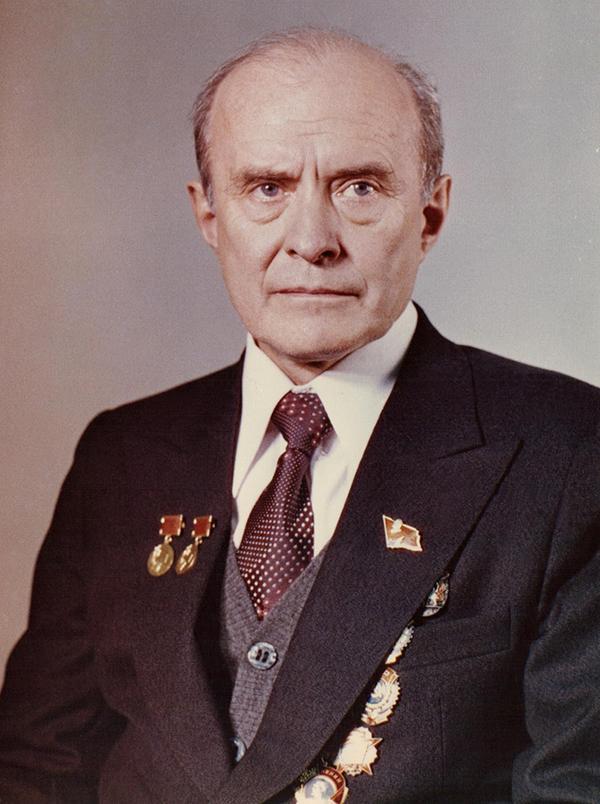 Академик Владимир Сергеевич Семенихин
