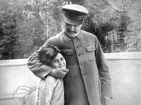 Светлана Аллилуева с отцом
