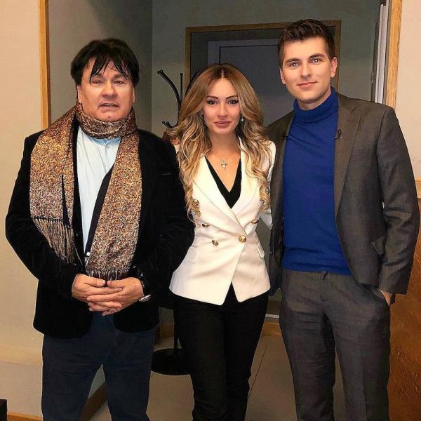 Александр Серов с дочерью и Дмитрием Борисовым