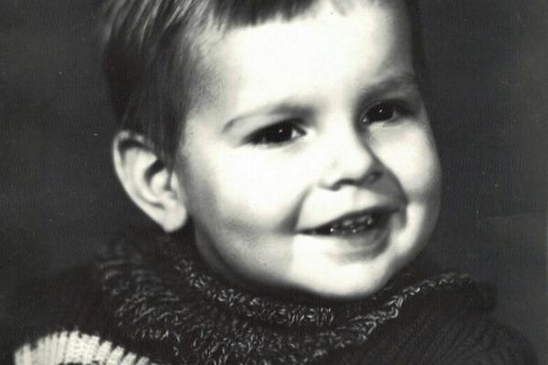 На фото: Дмитрий Носов в детстве