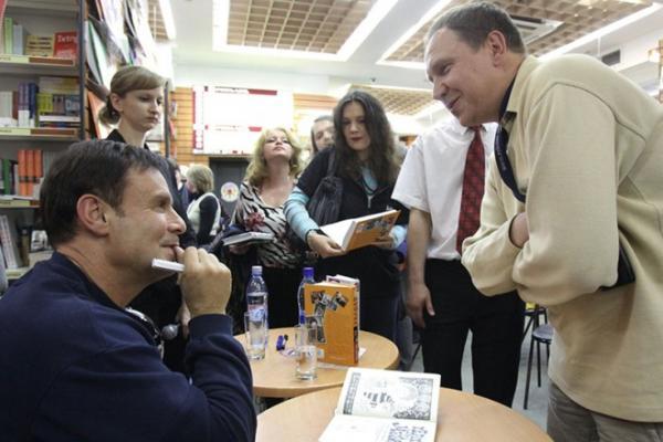 Ефим Шифрин на презентации своей книги