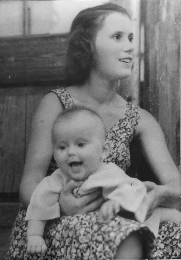 Зоя Фомина с дочкой Олей