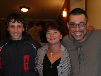 На фото: Евгений Кульмис с женой и сыном