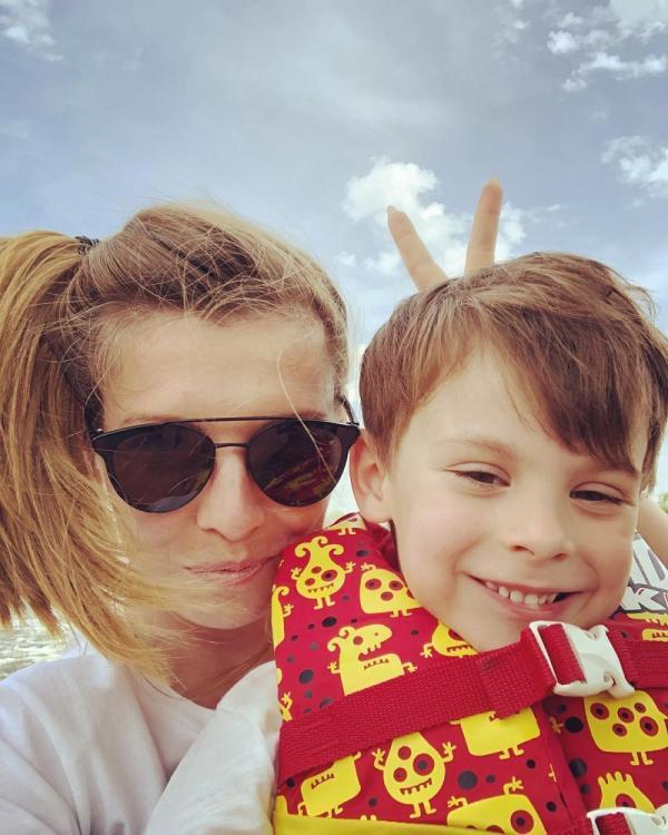 На фото: Ольга Скабеева с сыном