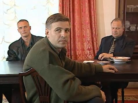 На фото: Евгений Вышенков в «Бандитском Петербурге»