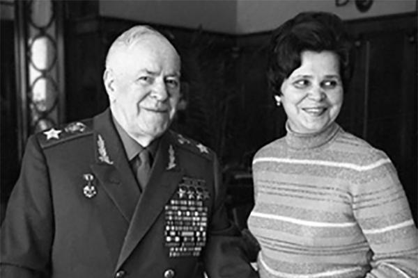 На фото: Георгий Жуков с женой Галиной Александровной