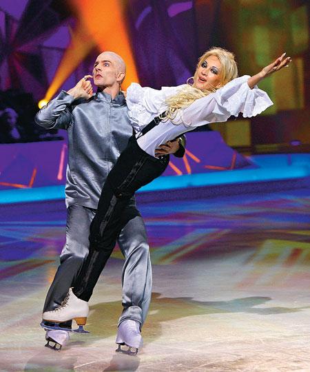 Лера Кудрявцева и Гвендаль Пейзера в программе «Звёздный лёд»