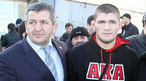 На фото: Хабиб с отцом