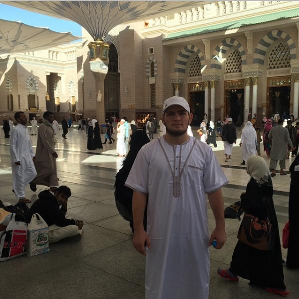 На фото: Хабиб в Мекке