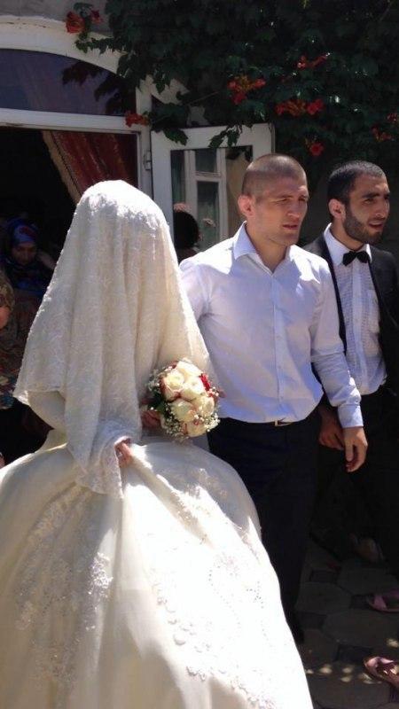 Хабиб Нурмагомедов с невестой