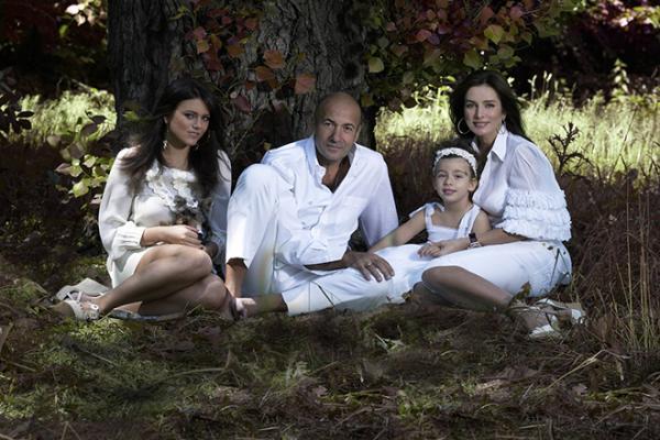 Игорь Крутой с женой Ольгой и дочерьми: Викторией и Александрой