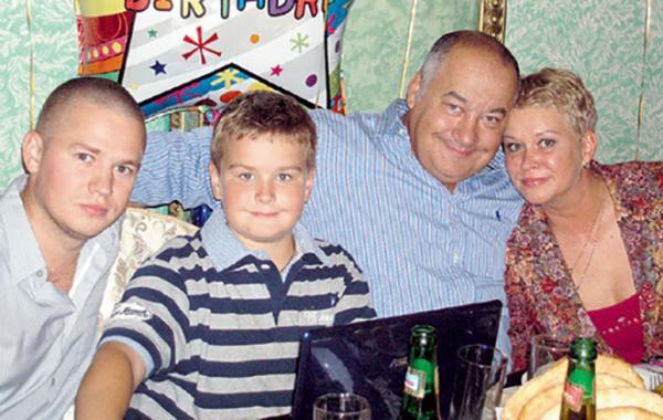 Игорь Маменко с семьей