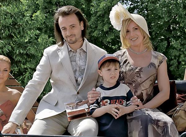 На фото: Илья Авербух с женой Ириной Лобачёвой и сыном Мартином