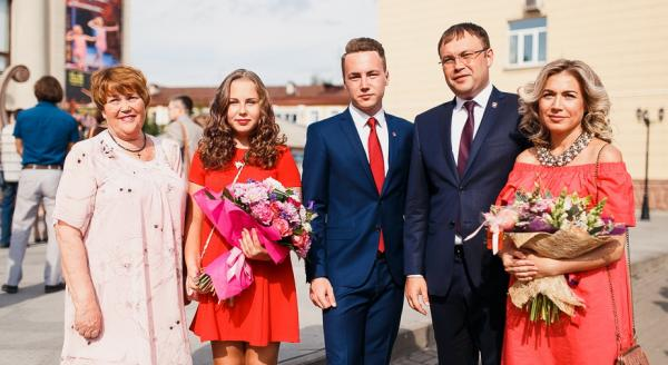 Дети и жена Ильи Середюка