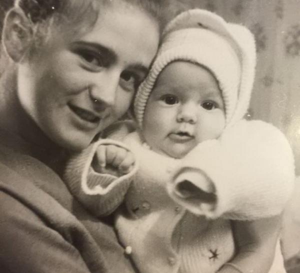 На фото: мать Юлии Барановской Татьяна Братцева с дочерью