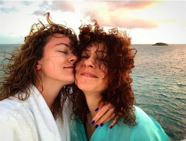 Ксения Раппопорт и ее дочь Аглая Тарасова