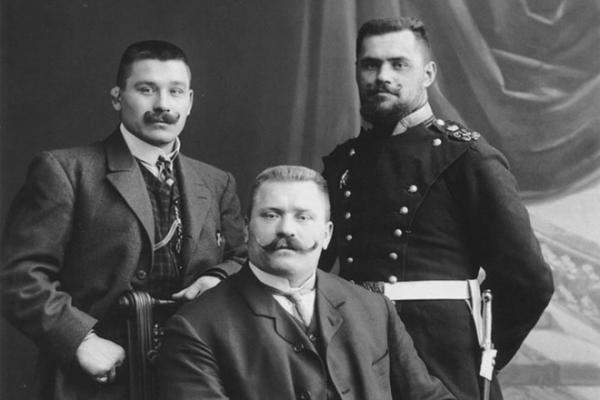 Иван Поддубный с братьями