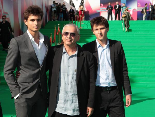 Карен Шахназаров с сыновьями - Иваном и Василием