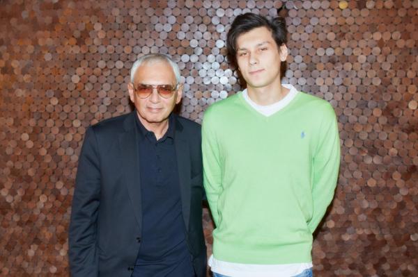 Карен Шахназаров с сыном Василием