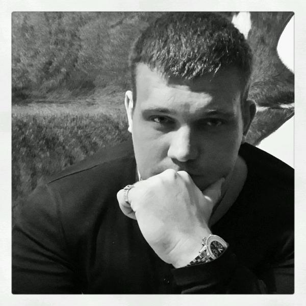 На фото: Кирилл Сарычев в молодости