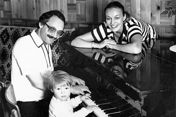 Максим Дунаевский, Наталья Андрейченко с сыном Дмитрием