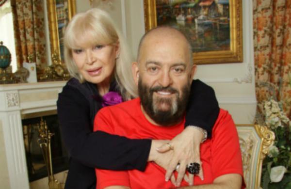 Михаил и Маргарита Шуфутинские у себя дома